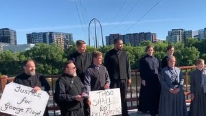 Amish-Esque Group Joins Minneapolis Protests with Peaceful Song