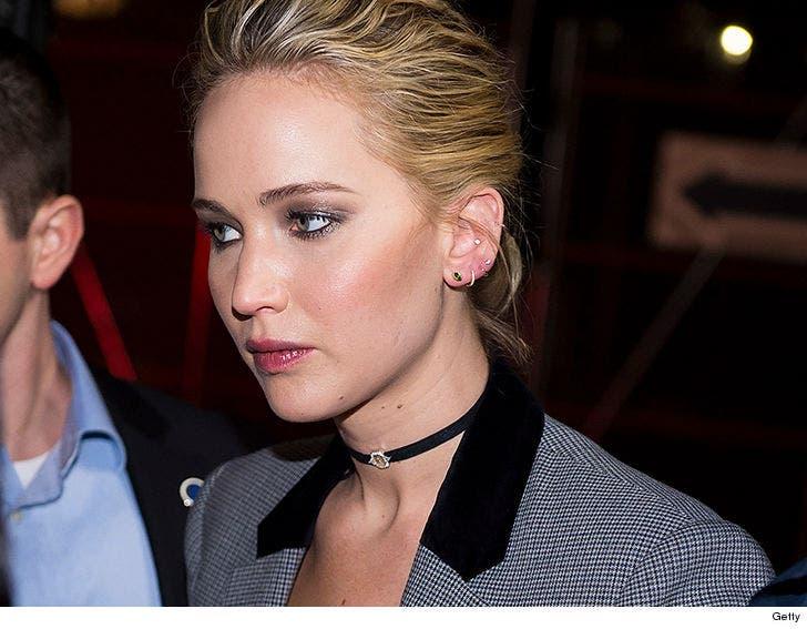 Jennifer Lawrences Nude Photo Hacker Sentenced To 8 Months In Prison-7387