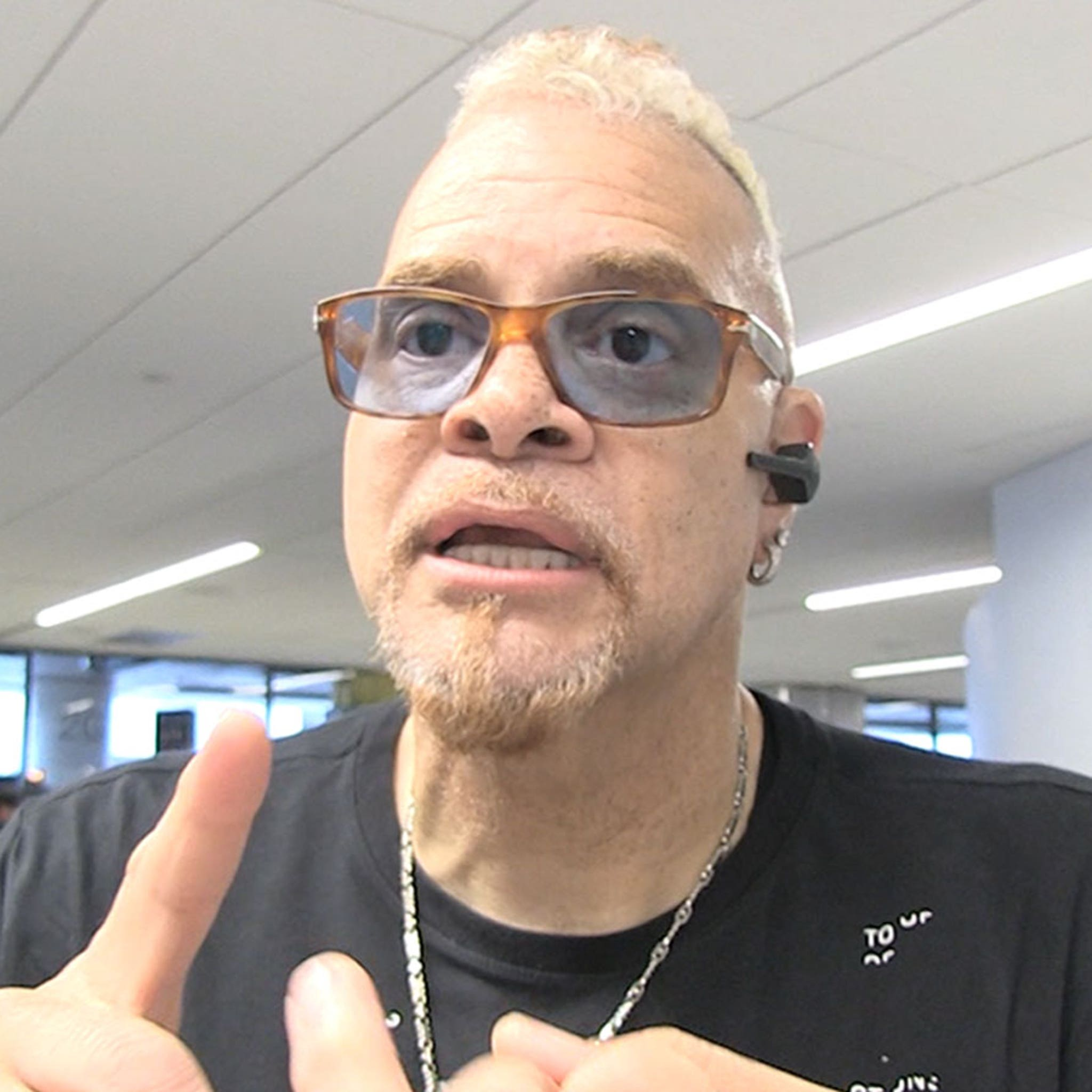 Sinbad Blasts Candace Owens on 'Never Been Great' America Debate
