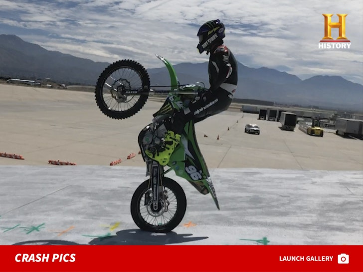 Daredevil Injures Both Ankles in Motorcycle Crash For 'Evel