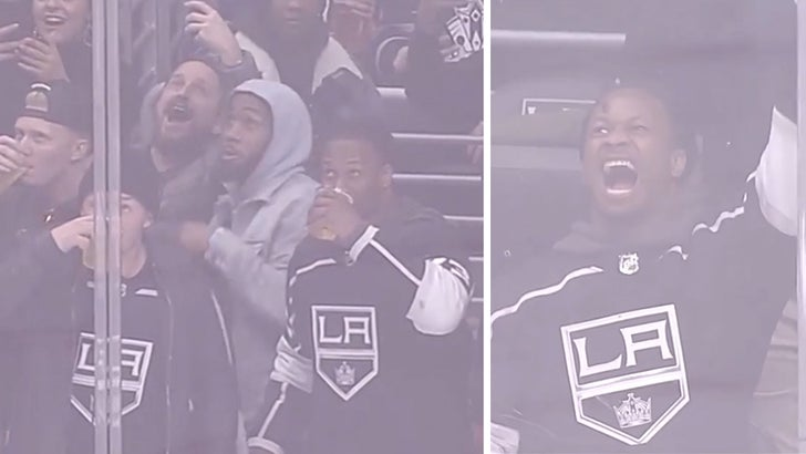 Todd Gurley Parties Hard At L A Kings Game Chugs Beers With
