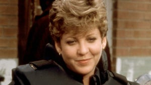 Officer Anne Lewis in 'RoboCop' 'Memba Her?!