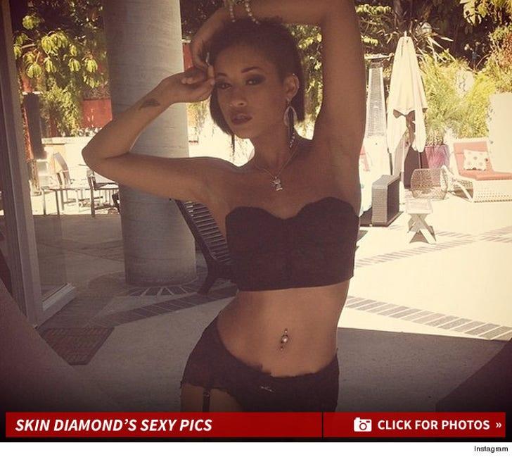 Skin Diamond's Sexy Instagram Photos