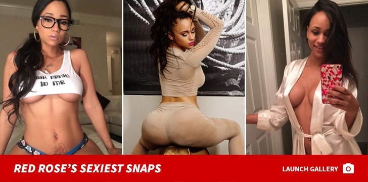 Red Rose's Sexiest Snaps
