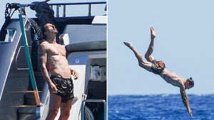 Zlatan Ibrahimovic Nosedives Off Superyacht On Vacay In Saint-Tropez