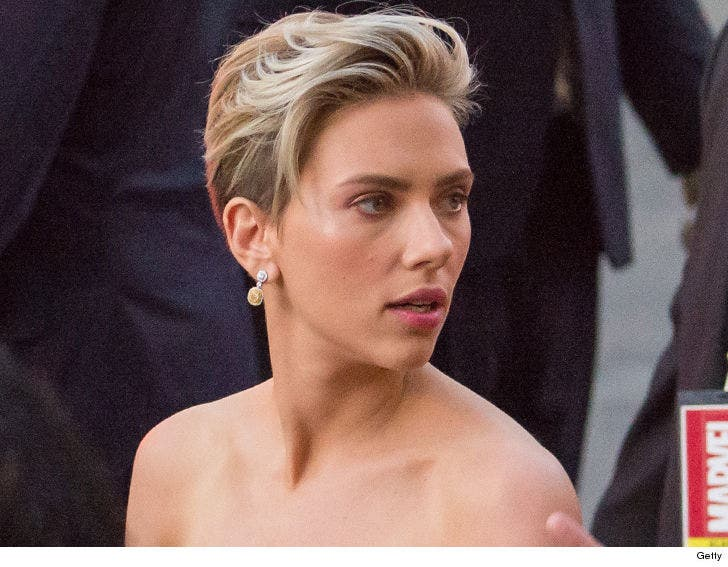 f1371ce3f34c Scarlett Johansson Backs Out of Transgender Role in 'Rub and Tug ...