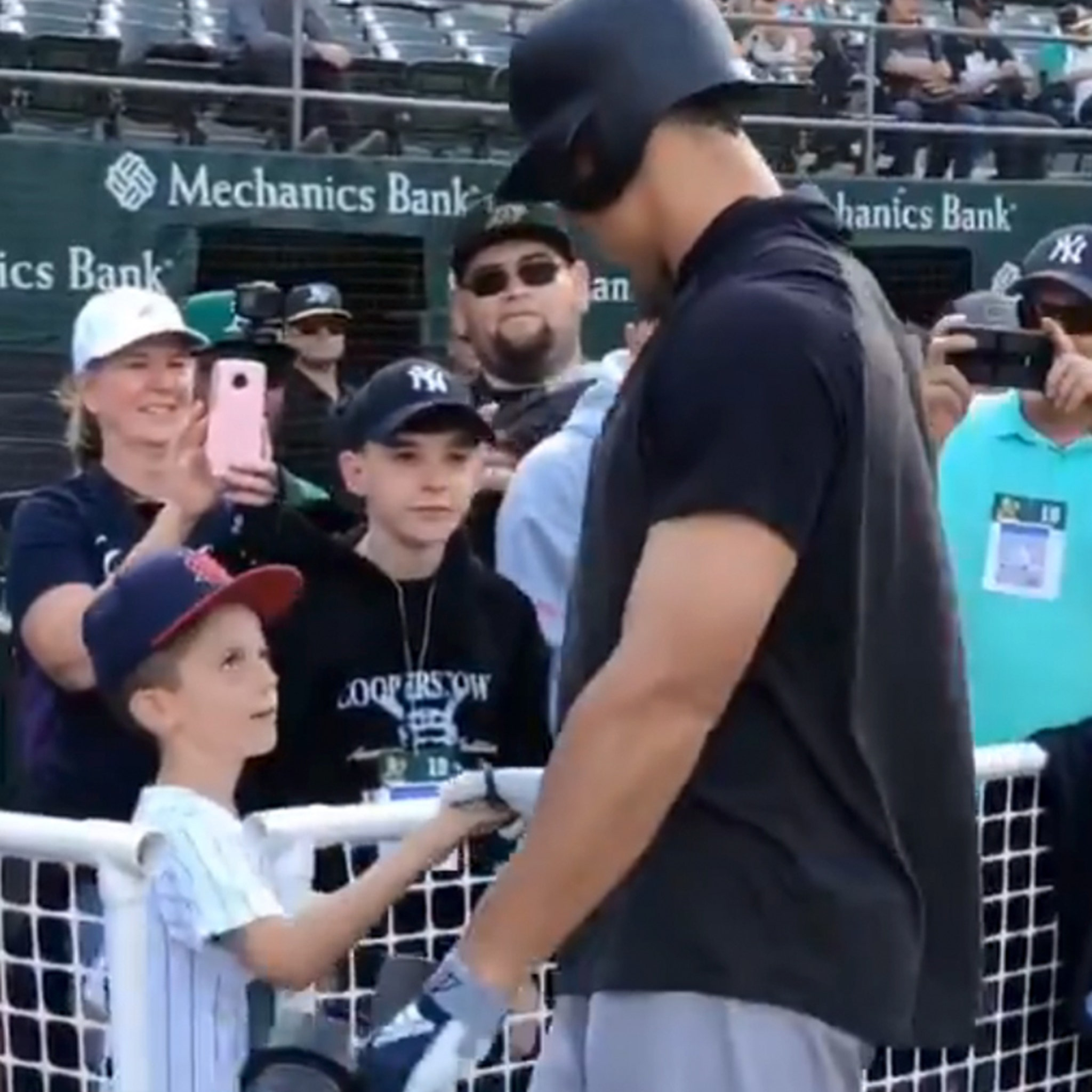 Aaron Judge Surprises Kid After Father's Death In Touching Pregame Moment