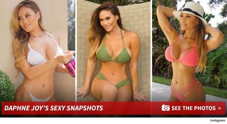 Daphne Joy's Sexy Snapshots