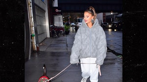 Ariana Grande Walks Off Bad Illness in NYC's Chilly Weather