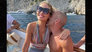 Chrishell Stause Is Dating Jason Oppenheim