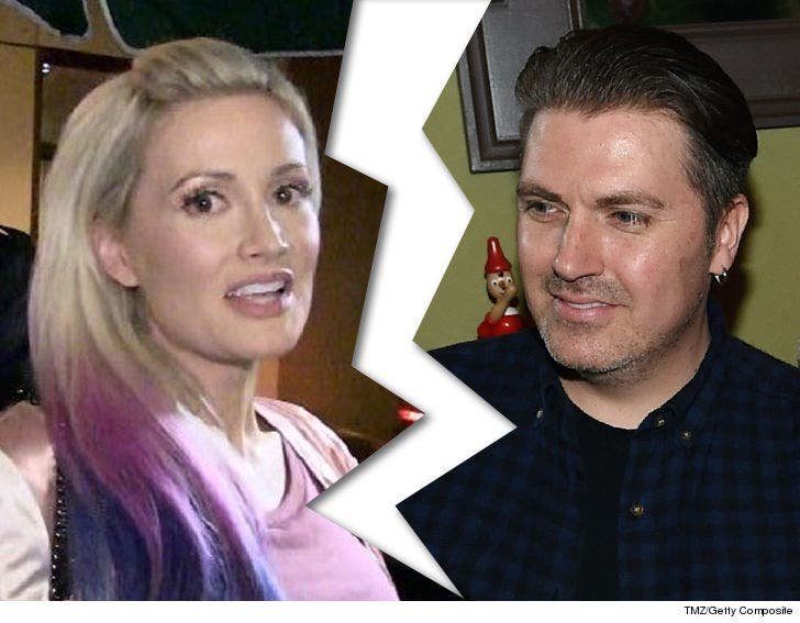 Holly Madison S Husband Pasquale Rotella Files For Divorce