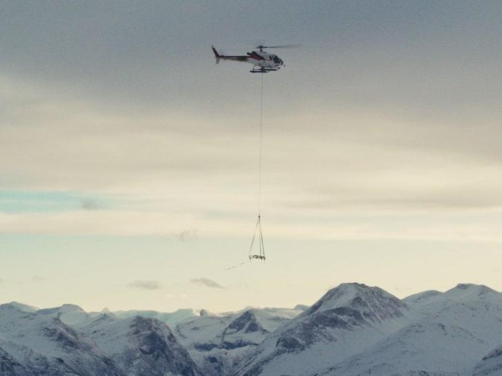 Kygo Helicopters Piano Up Sunnmore Alps для концерта в крутом видео
