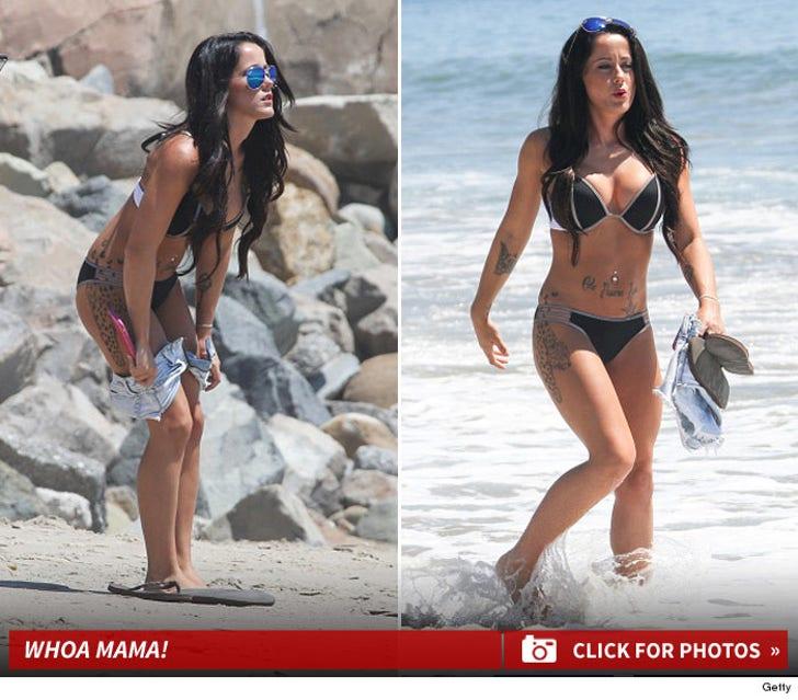 Jenelle Evans Looks Arresting in Bikini