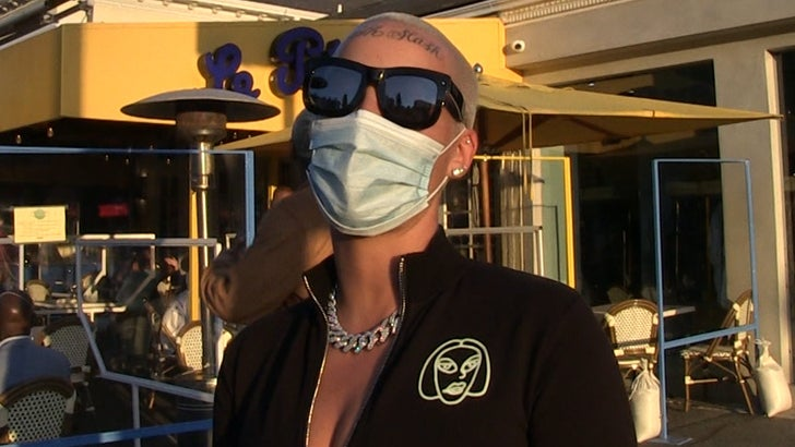 Amber Rose Supports Taylor Swift Ripping Netflix for Sexist Joke.jpg