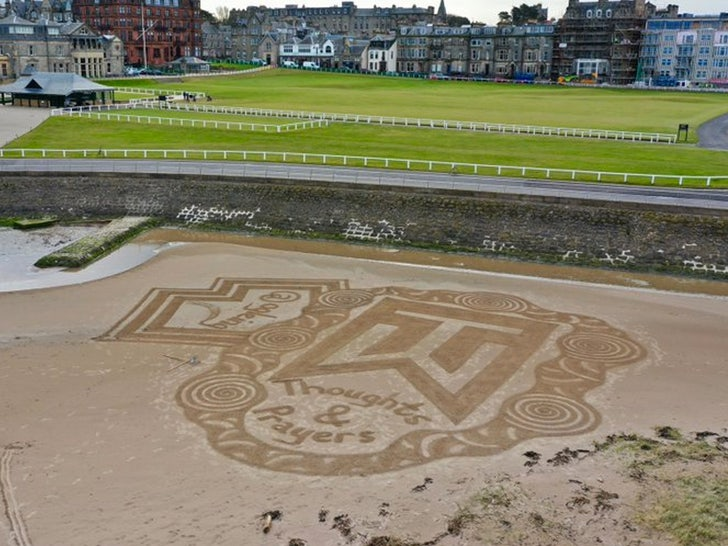 Tiger Woods Gets Amazing Sand Art Tribute at Legendary St. Andrews Golf Course.jpg