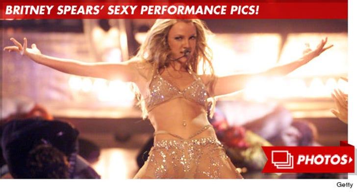 Britney's Sexy Performance Pics!