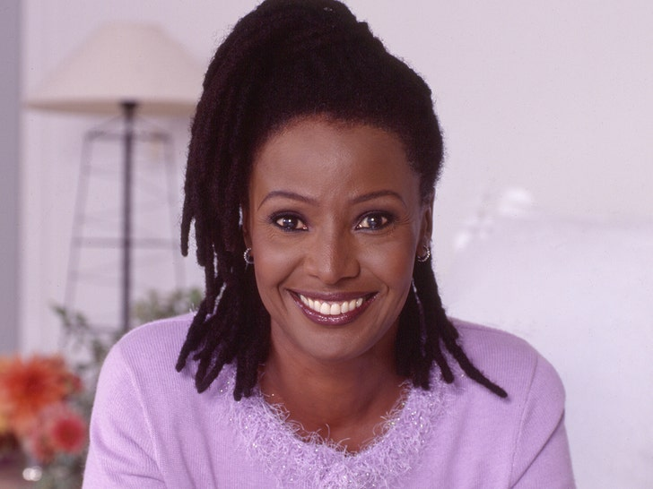 Author and lifestyle expert B. Smith dies at 70