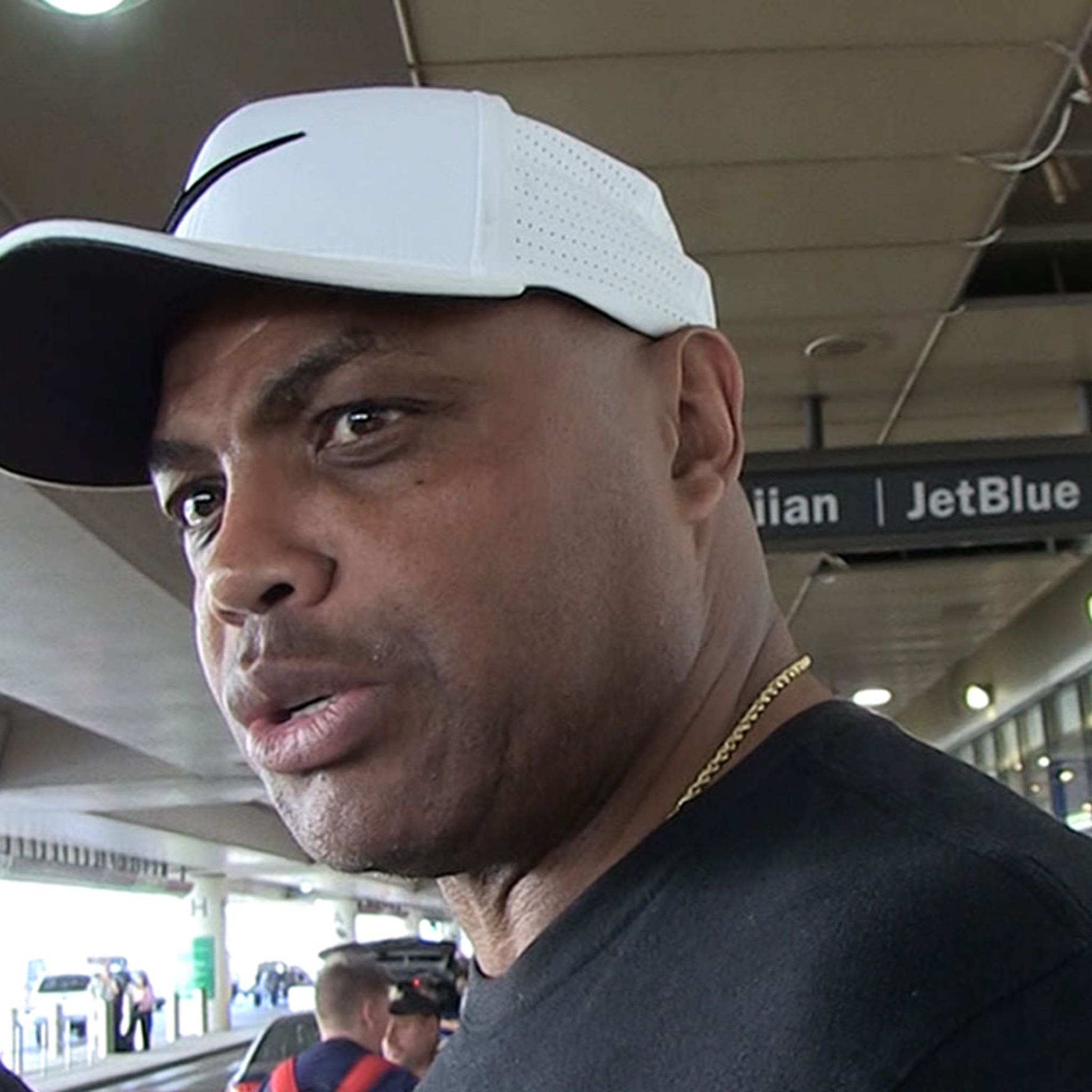 Charles Barkley Defends LeBron James, Says China Criticism Is 'Really Unfair'