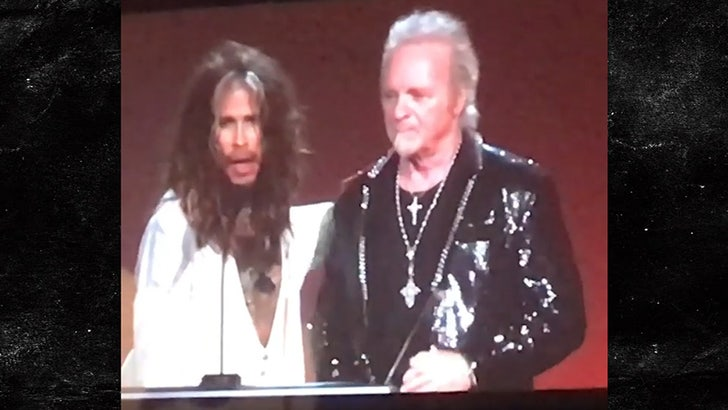 Joey Kramer Joins Aerosmith Tribute Event And Leaves without playing!!