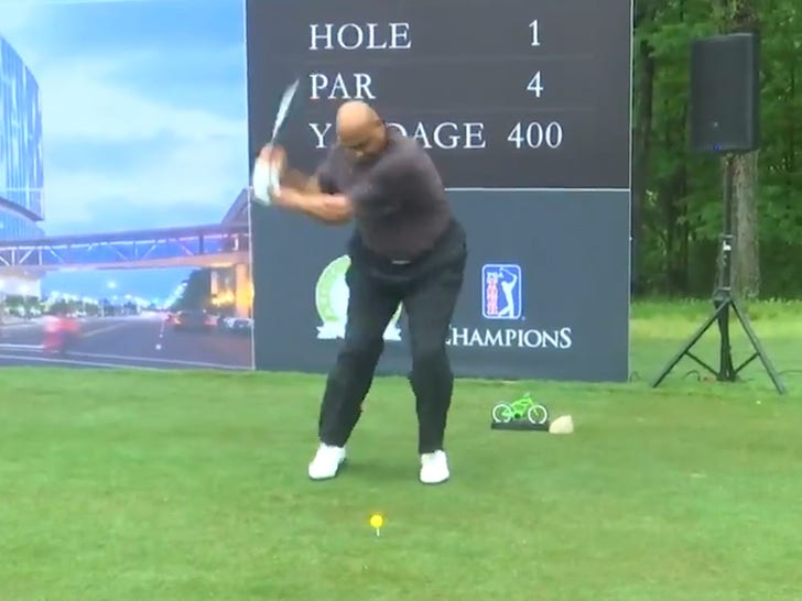 Charles Barkley Somehow Fixes Legendarily Awful Golf Swing, It's a Miracle!.jpg