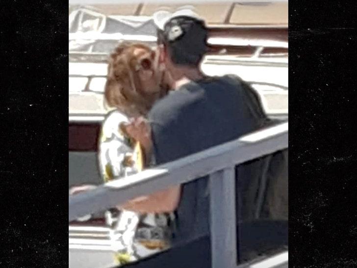 J Lo & Ben Kiss on a Dock in Naples Italy.jpg