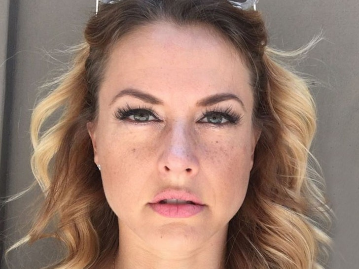 Big Brother Christmas Abbott.Big Brother Alum Christmas Abbott Dodges Jail Time For