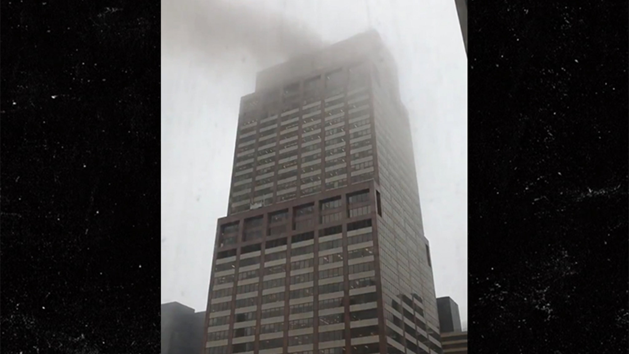 Helicopter Crashes Onto Roof Of Midtown Manhattan Building