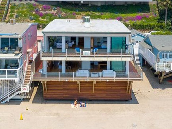 Matthew Perry Sells Malibu Beachfront Crib