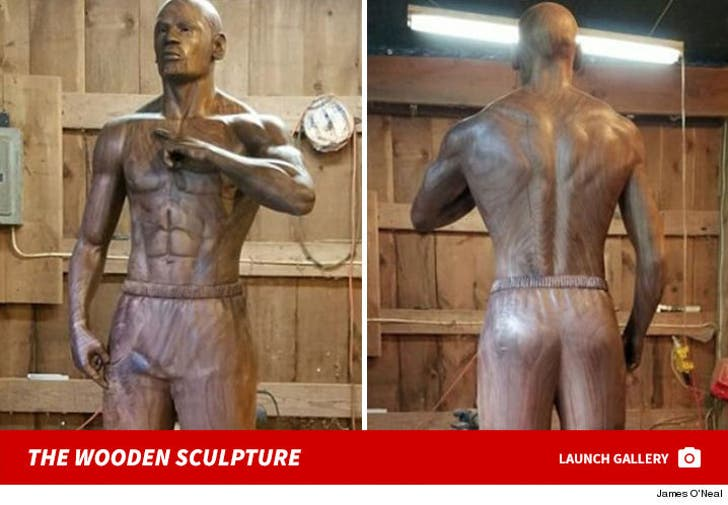 Floyd Mayweather's Wooden Statue