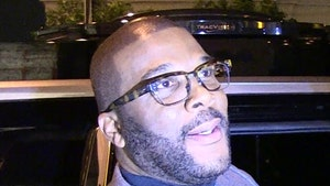 Tyler Perry Gives 42 Atlanta Restaurant Employees $21,000 Tip