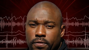 Warren Sapp: I Never Peed In Front of that Lady, But ...