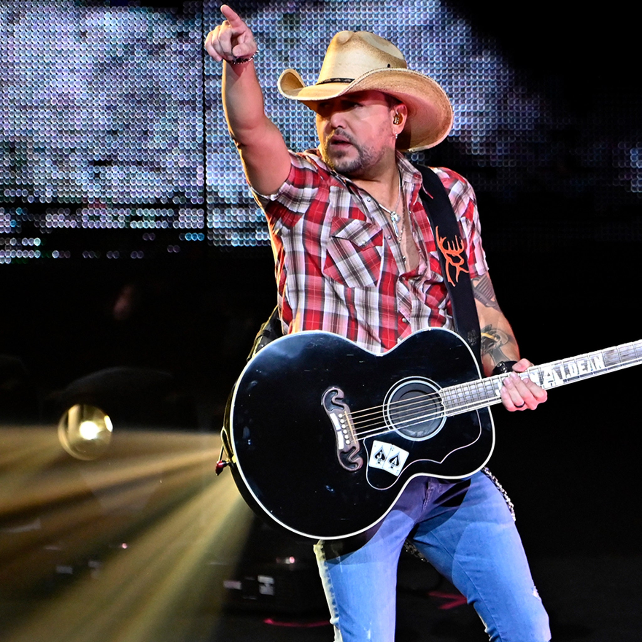 Jason Aldean Returns to Play Vegas, First Time Since 2017 Shooting