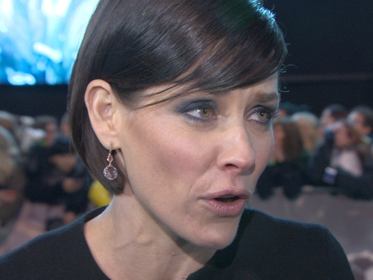Evangeline Lilly Against Self-Quarantining During Coronavirus Pandemic - EpicNews