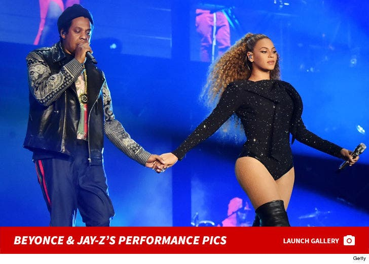 Beyonce and Jay-Z -- On the Run II Performance Photos