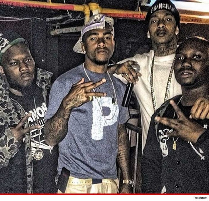 desean jackson throwin gang signs with rapper nipsey