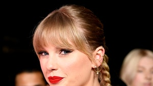 Taylor Swift Donates $13k Each to 2 Moms Struggling Due to COVID-19