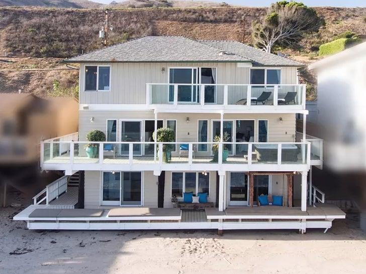 JLo and A-Rod Sell Malibu Beach House