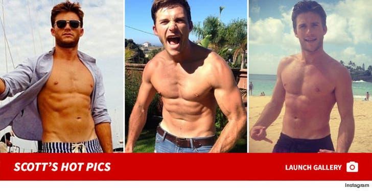 Scott Eastwood Shirtless Shots