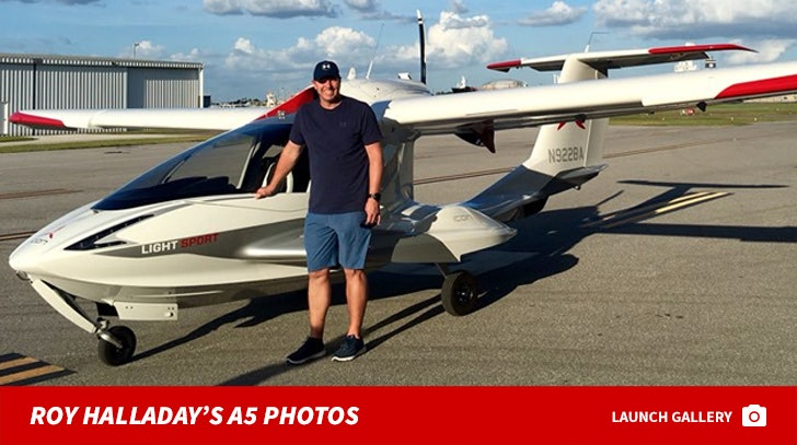 Roy Halladay A5 Plane Photos