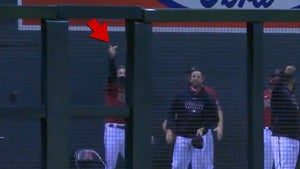 Diamondbacks' Archie Bradley Appears To Flip Off Cheater Astros After Huge HR