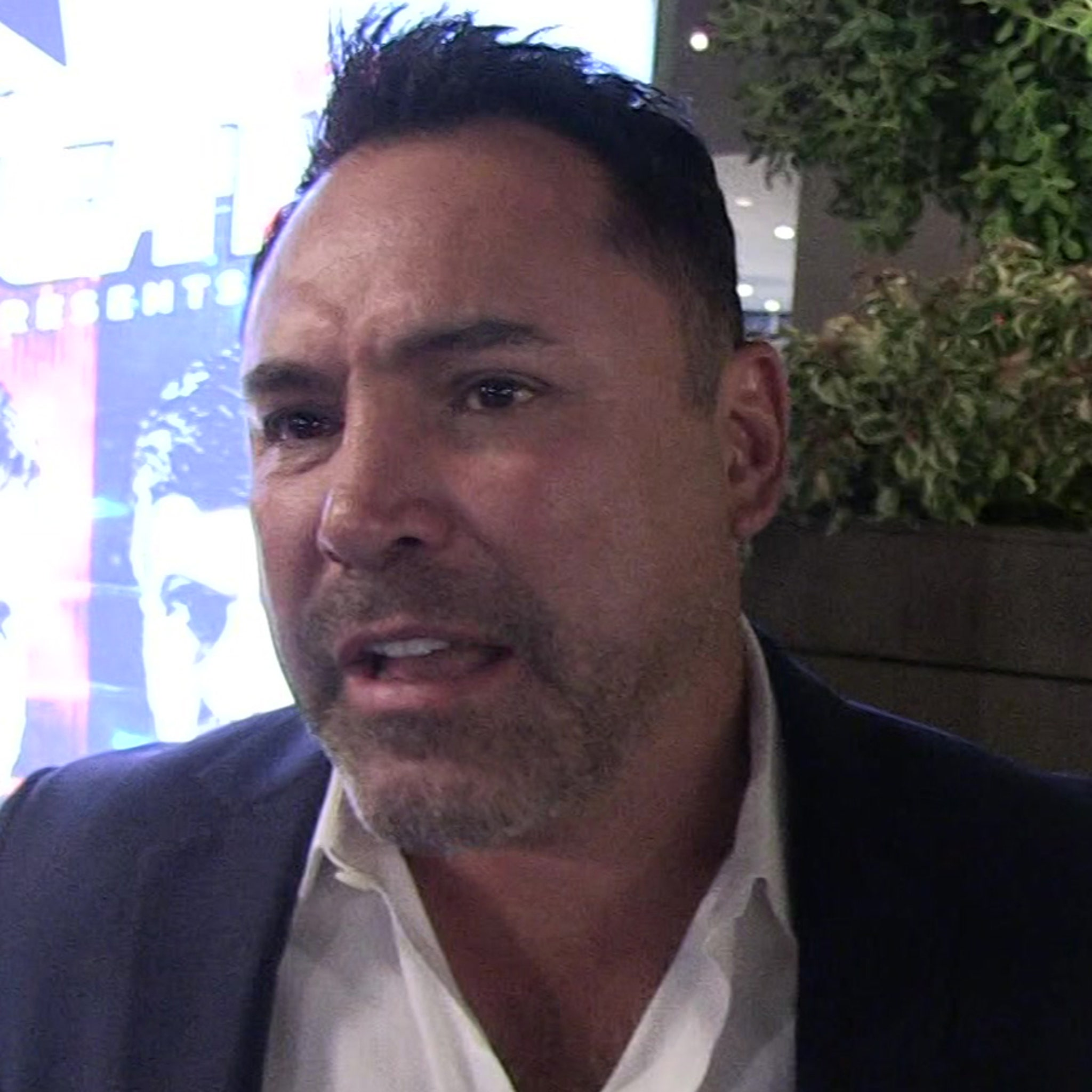 Oscar De La Hoya Accused of Mistreating Staffer While 'Highly Intoxicated'