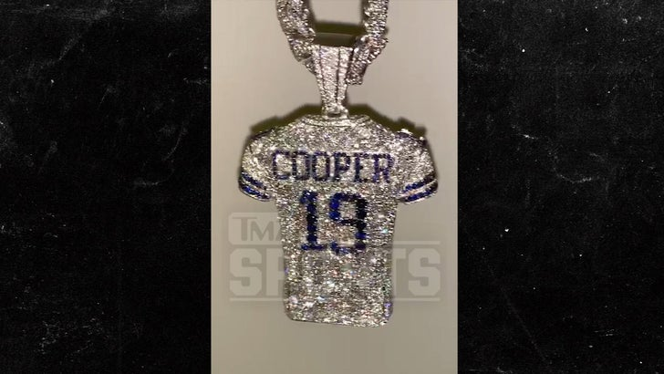best sneakers 51c74 784a6 Amari Cooper Hints at Cowboys Future with Diamond Jersey ...