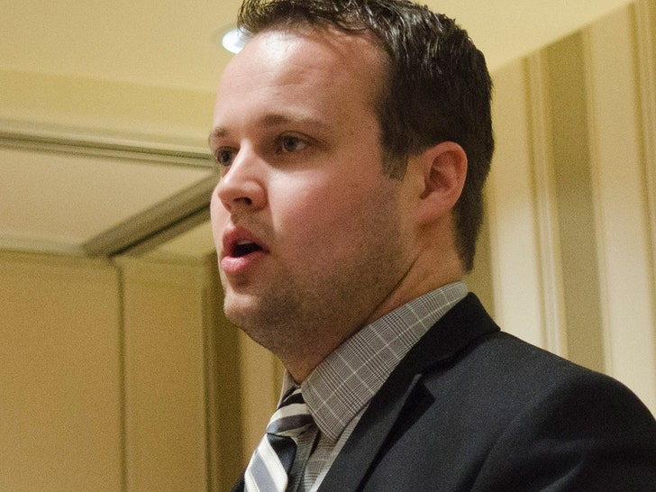 Homeland Security Goes to Josh Duggar's Office for Investigation