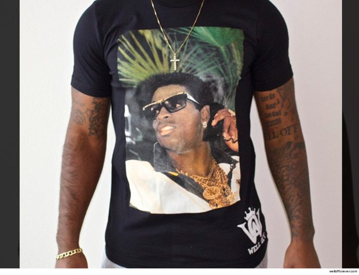 huge selection of b42f8 78c3a Deion Sanders' Face Is Still Prime Time for Son's Clothing Line