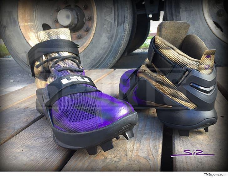 quality design a1a33 5fb6c Terrell Suggs Has Custom LeBron Cleats!!