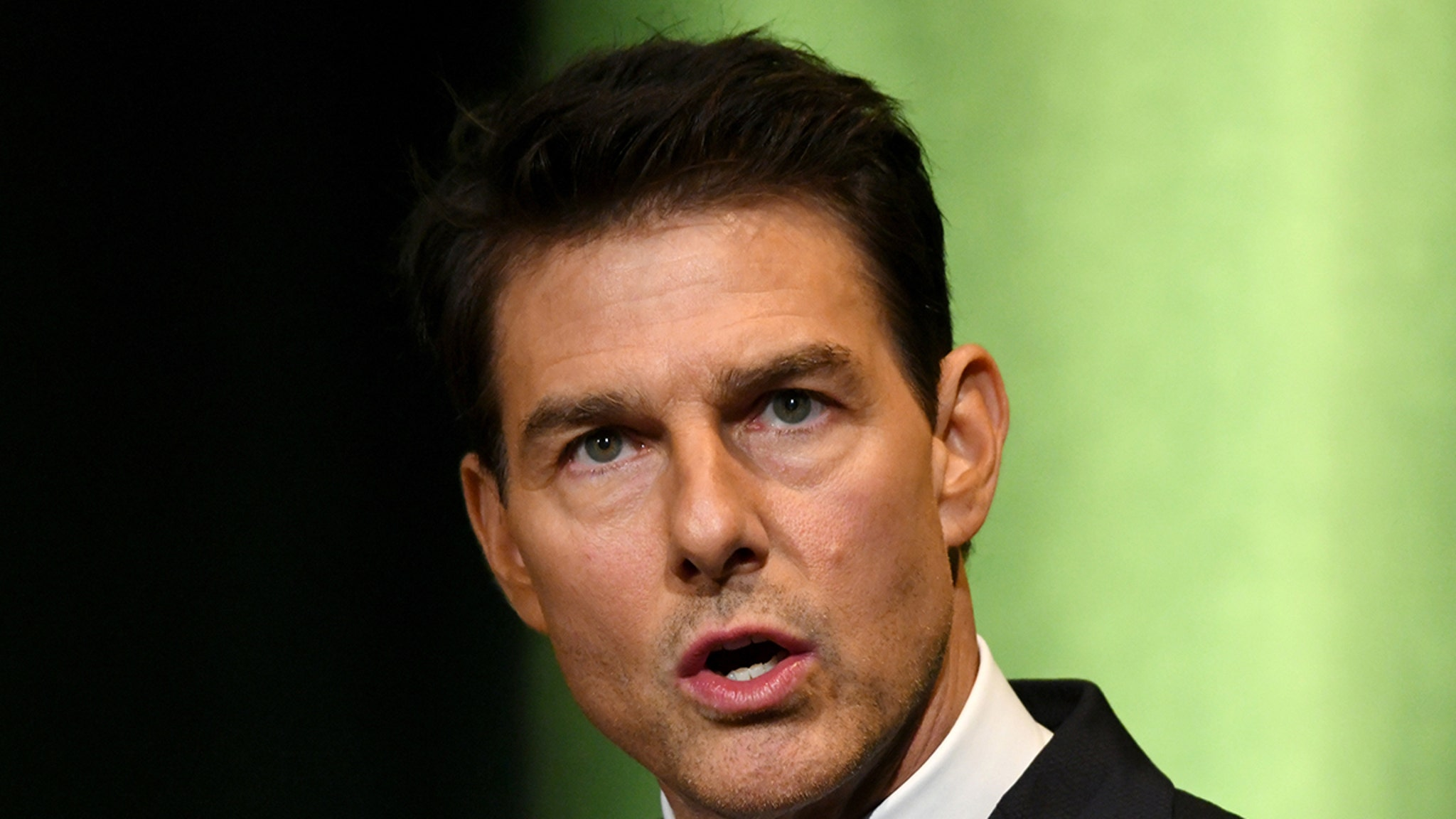 Tom Cruise Raging tirade on 'M.I' Set in U.K. ... Crew Got within 6 Feet