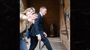 Daniel Craig Starts Filming New James Bond Movie Just 'For the Money'