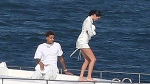 Kendall Jenner and Lakers' Kyle Kuzma Not Dating Just Yachting