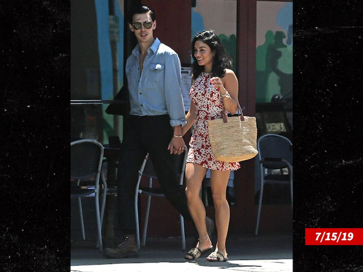 Vanessa Hudgens and Austin Butler split up