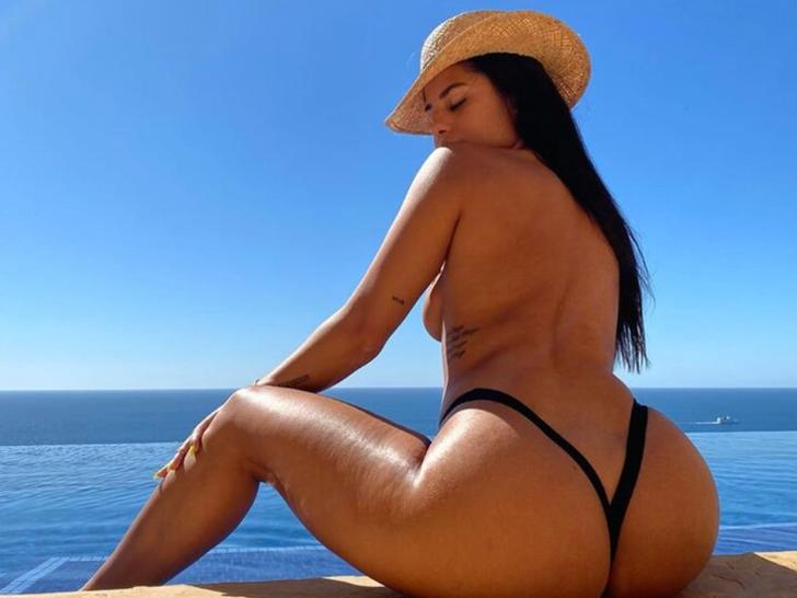 Katya Elise Henry's Sexy Snaphots